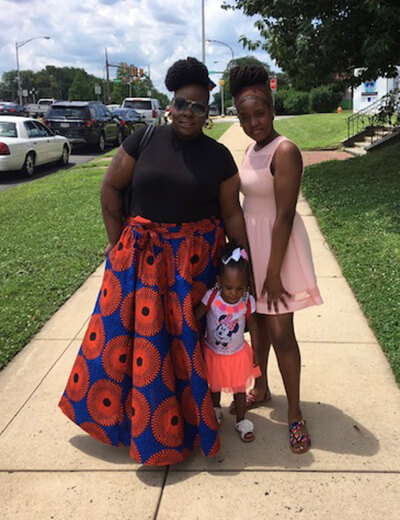 de'shantel odom-brown and her two daughters