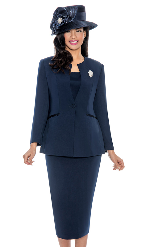 Giovanna 0708-NV ( 3pc Womens PeachSkin Suit With Detachable Brooch And Collarless Jacket )