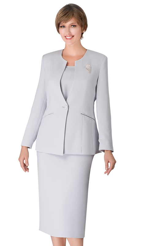 Giovanna 0708-SI ( 3pc Womens PeachSkin Suit With Detachable Brooch And Collarless Jacket )