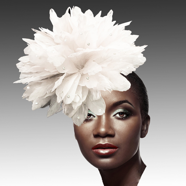 FA2280 DAZZLE-WH ( Fireworks of  Feather Fascinator )