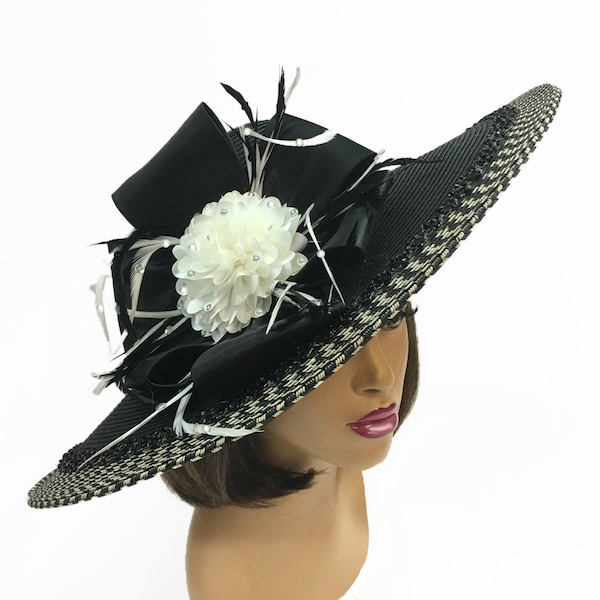2250 Hera-BW ( Contrast Trim Picture Brim With Flower And Feather Sprigs )