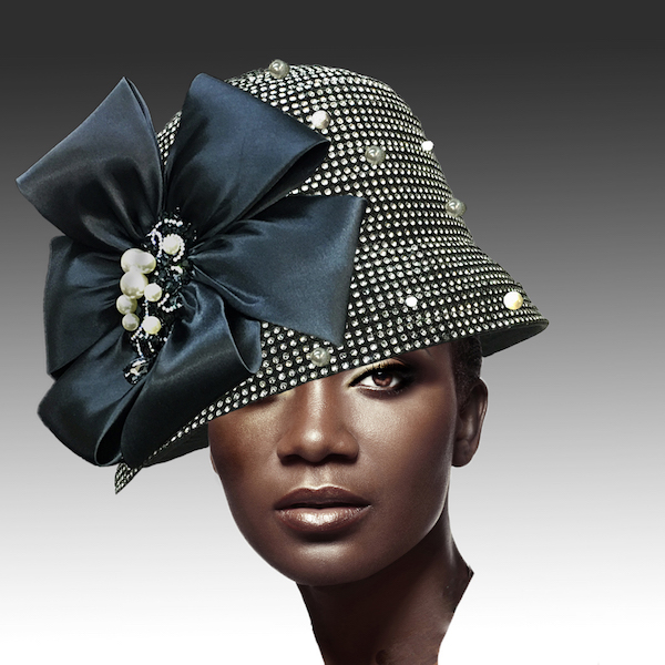 2275 Scotty-BK ( Rhinestone Cloche With Magnificent Brooch )