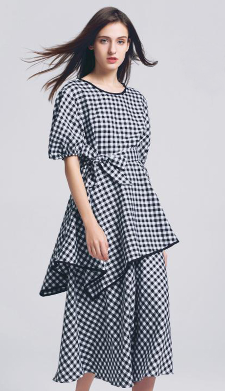 Jerry T SR-7227-BW ( 2pc Short Sleeve Tie Waist, Circle Overhead Collar, Side Zipper Skirt)