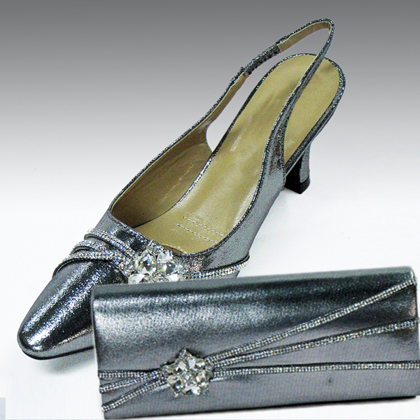 H81-Gunmetal Shoe With Matching Hand Bag
