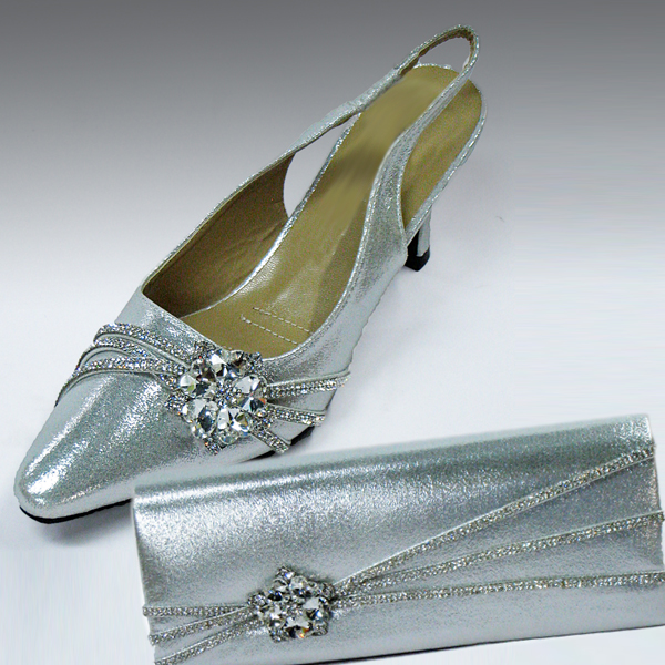 H81-Silver Shoe With Matching Hand Bag