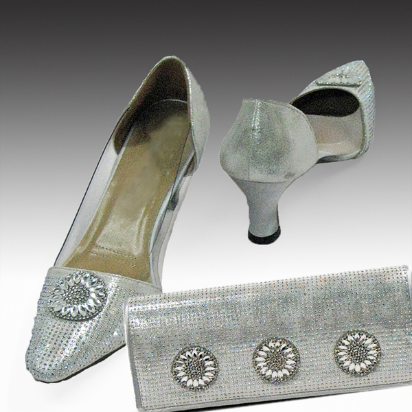 H96-Silver Shoe With Matching Hand Bag