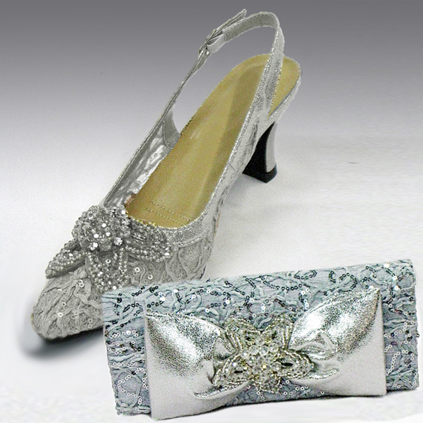 H73-Silver Shoe With Matching Hand Bag
