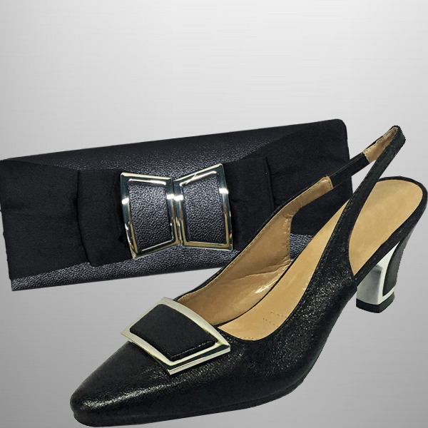 "P138 TWIGGY-BLK-COMBO ( Mod 60's Style Clutch With, Mod Style Slingbacks With A Comfort Cushion And 2.75"" Heel )"