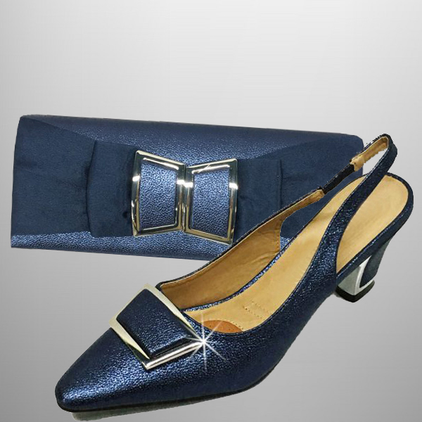 "P138 TWIGGY-N-COMBO ( Mod 60's Style Clutch With, Mod Style Slingbacks With A Comfort Cushion And 2.75"" Heel )"
