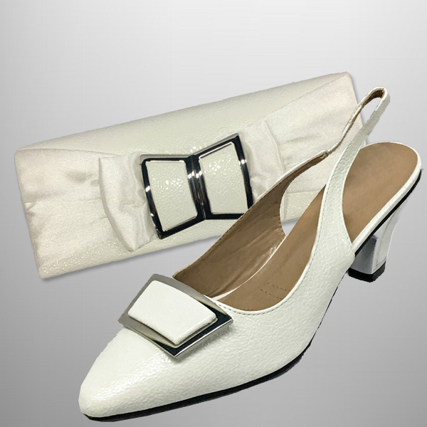 "P138 TWIGGY-W-COMBO ( Mod 60's Style Clutch With, Mod Style Slingbacks With A Comfort Cushion And 2.75"" Heel )"