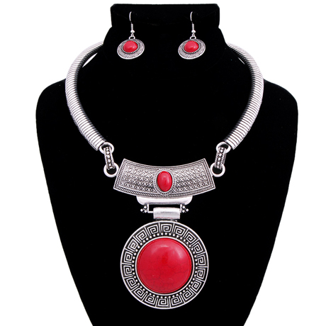 Upscale Jewelry AJN3402REDBS ( Engraved Burnished Choker And Earring Set With Stone Pendant )
