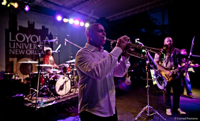 Loyola band
