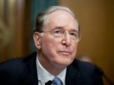 U.S. Senator Jay Rockefeller says bankruptcy judge has done no favors for union miners.