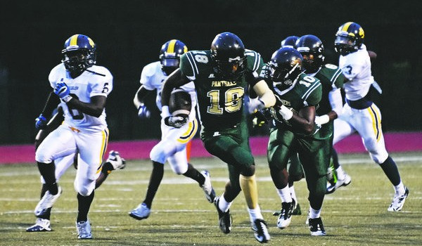 Keion Davis (18) rushed for 1,068 yards during his junior season at Langston Hughes High in Fairburn, Ga.