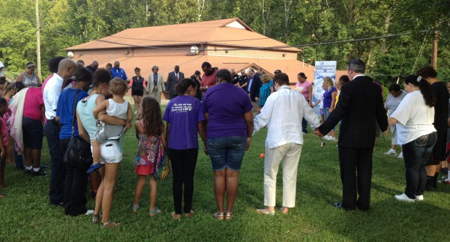 Orchard Manor residents and law enforcement join hands for one cause