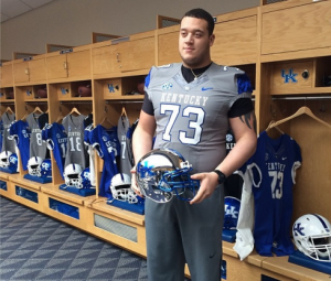 Three-star offensive tackle Josh Krok made an official visit to Kentucky last weekend and switched his commitment from West Virginia on Thursday.