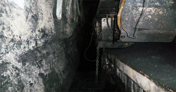 MSHA says Daniel Lambka was pinned between the rib of the mine and this feeder machine.