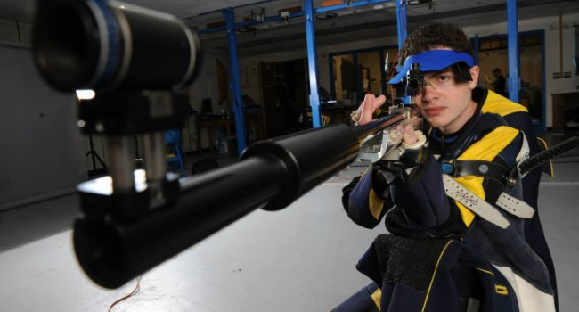 Wellsburg, W.Va. native Thomas Kyanko shot a season best 586 smallbore and a school record 200 in the prone position. Junior Taylor Ciotola also shot a 200 in the match with Alaska-Fairbanks