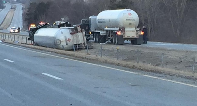WV MetroNews I-64 closed in Cabell County - WV MetroNews