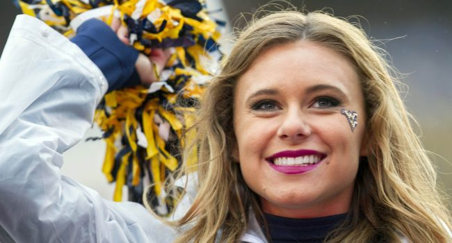 wvu-cheerleader-1