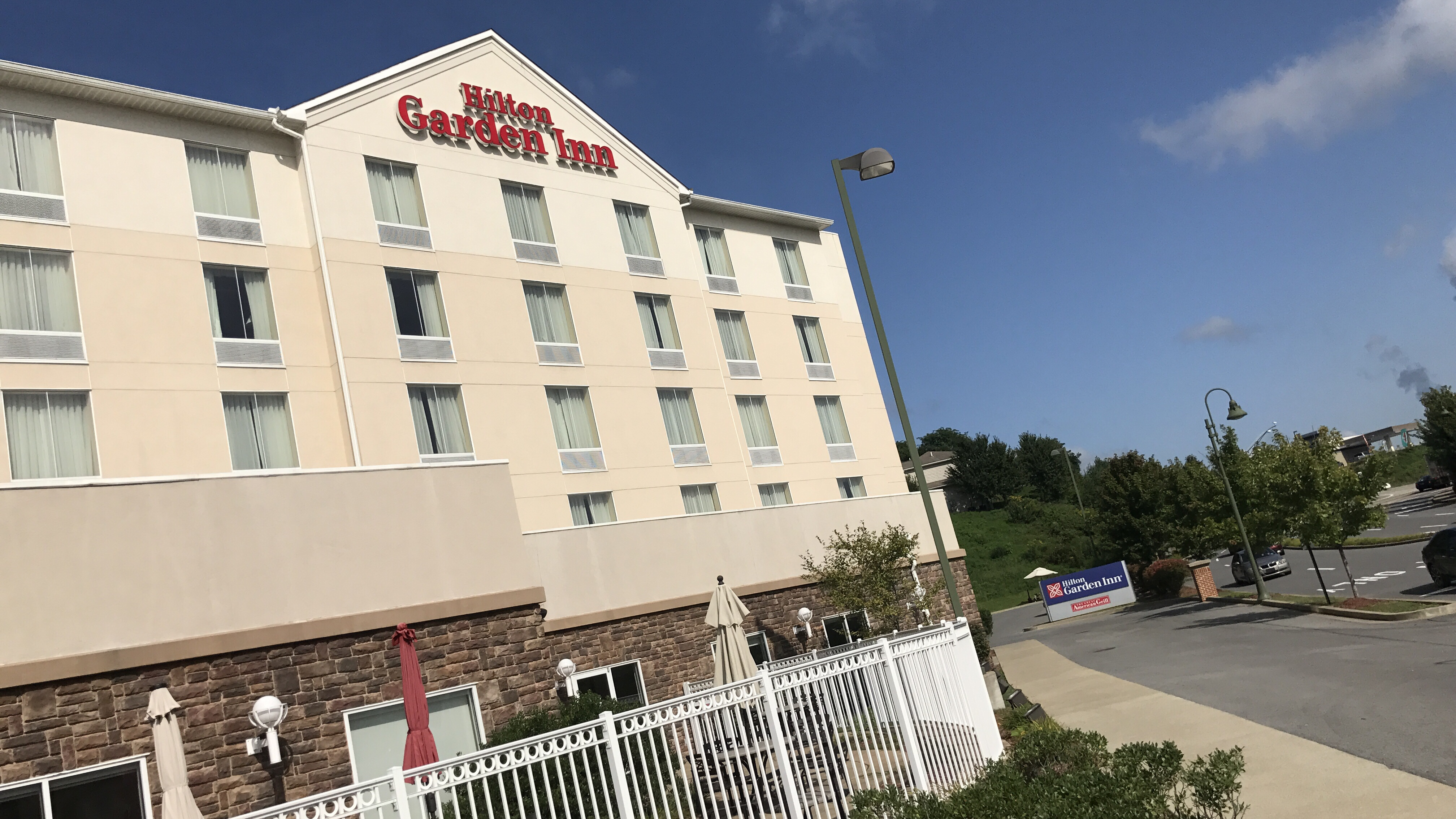 Wv Metronews Tax Deputies Enter Troubled Morgantown Hotel To Collect For Taxes Owed