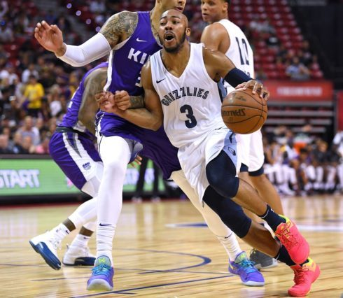 61b6de95604 WV MetroNews Grizzlies sign Jevon Carter to multi-year contract - WV ...
