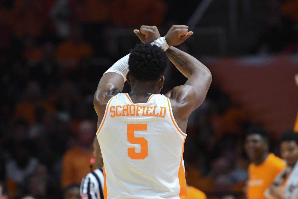 No. 1 Tennessee rallies to topple West Virginia, 83-66