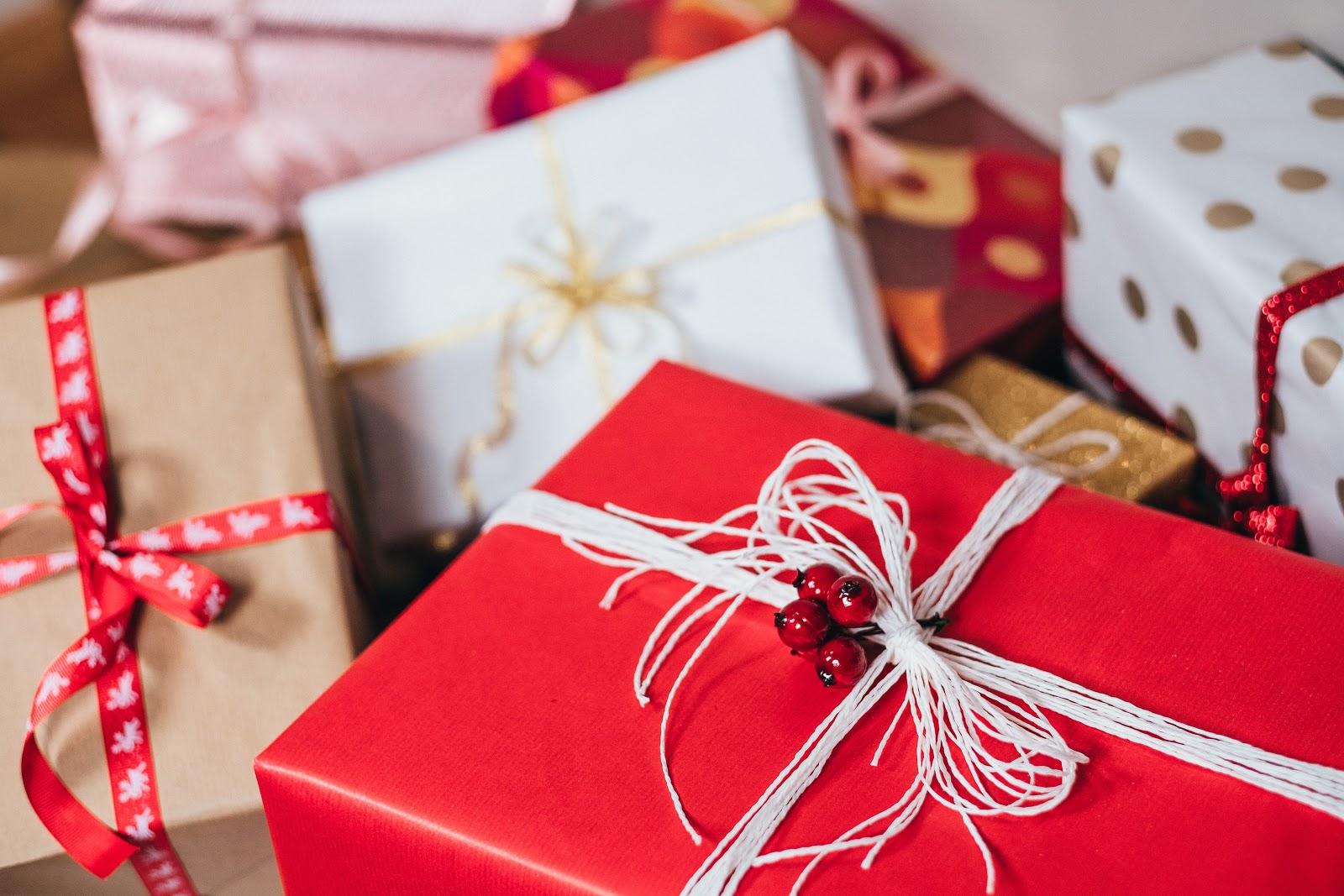 Seasonal packaging designs
