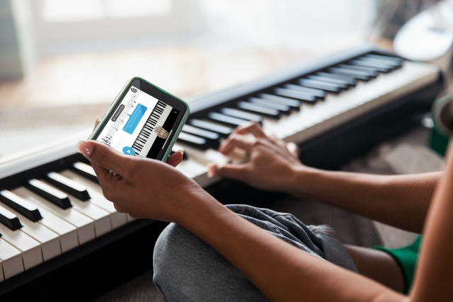 Free Lessons For Roland Piano Users