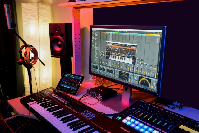 Roland Cloud Partners With Point Blank Music School