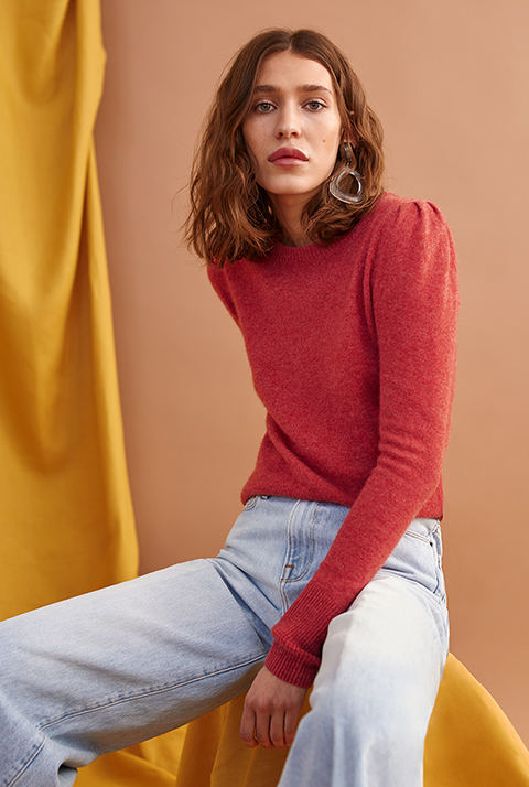 CASHMERE PUFF SHOULDER CREWNECK