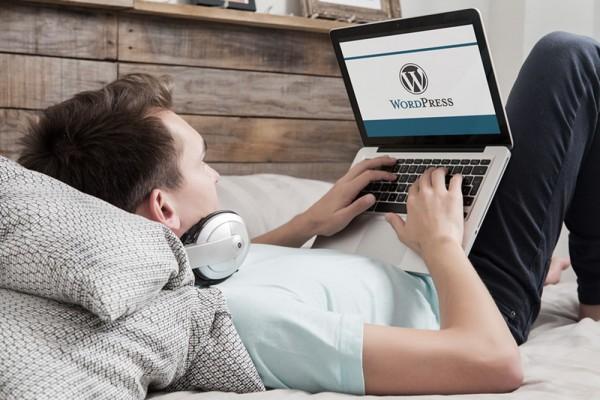 Top-10-WordPress-Notification-Bar-Plugins