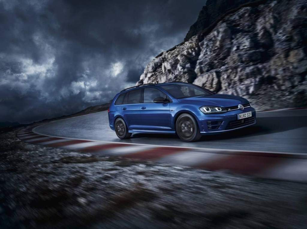 Golf R Wagon Wolfsburg Edition Front 3/4