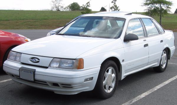 best selling car in america of all time - Ford Taurus