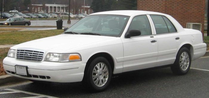 Ford Crown Victoria 1998 – 2012
