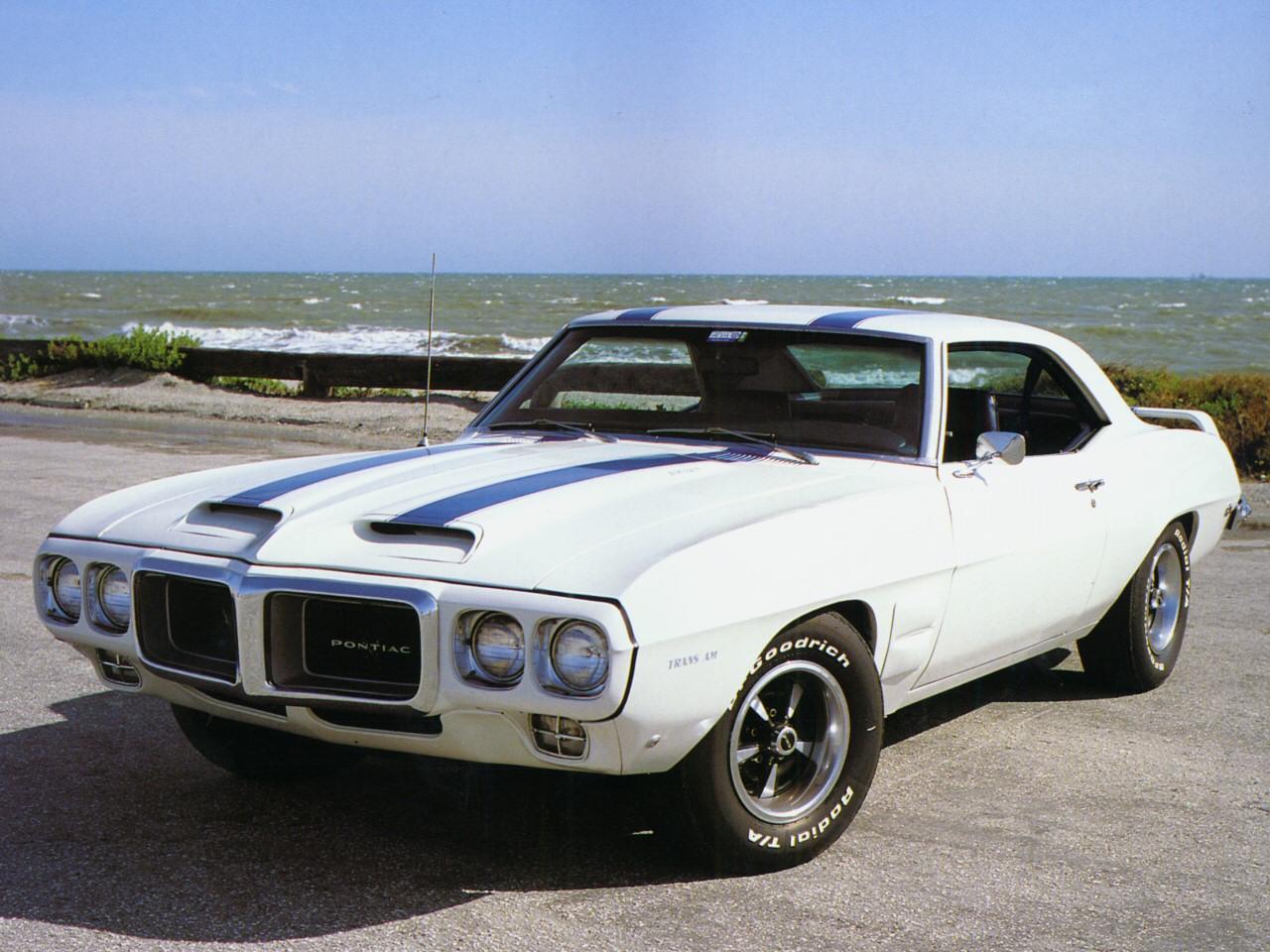 old-school muscle cars: 1969 Pontiac Firebird Trans Am