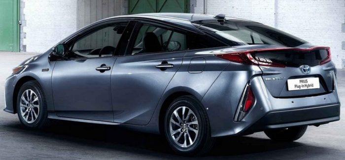 2018 Toyota Prius - best selling hybrid