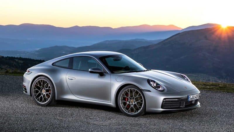 2020 Porsche 911 front 3/4 view