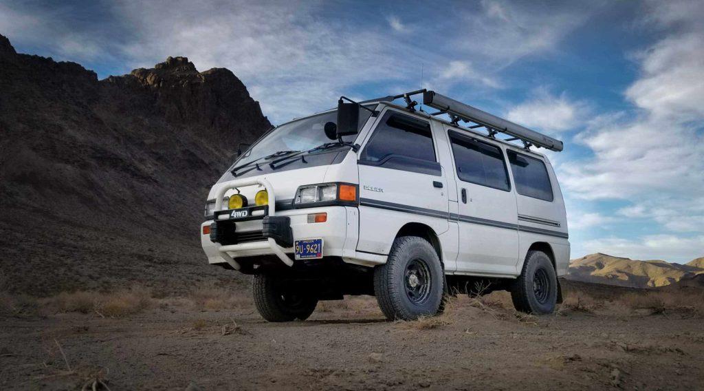 Mitsubishi Delica Star Wagon van