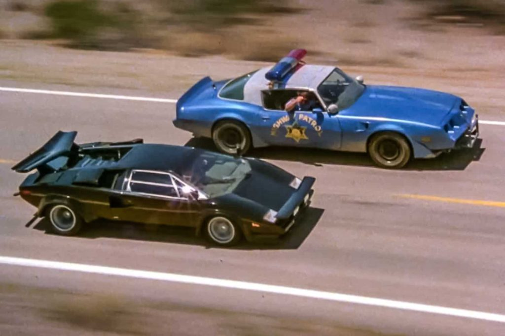 cannonball run movie lambo vs cop car