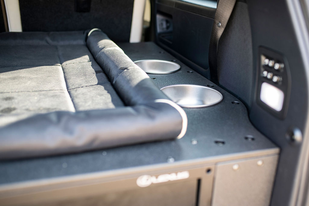 Lexus J201 Goose Gear Dog Bowls