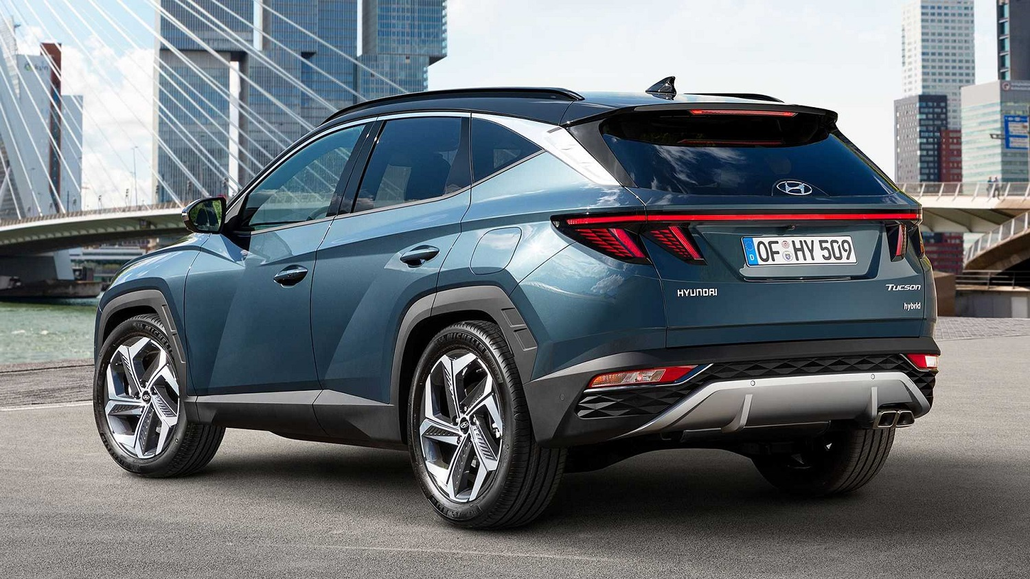 2022 Hyundai Tuscon rear three quarter