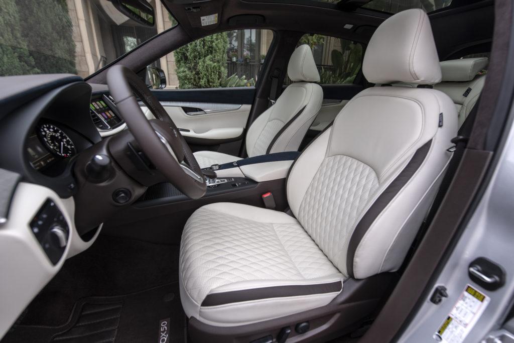 2021 Infiniti QX50 front seats