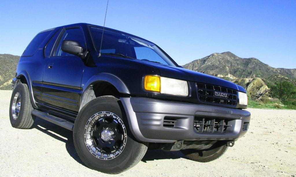 Isuzu Amigo 2-Door SUV