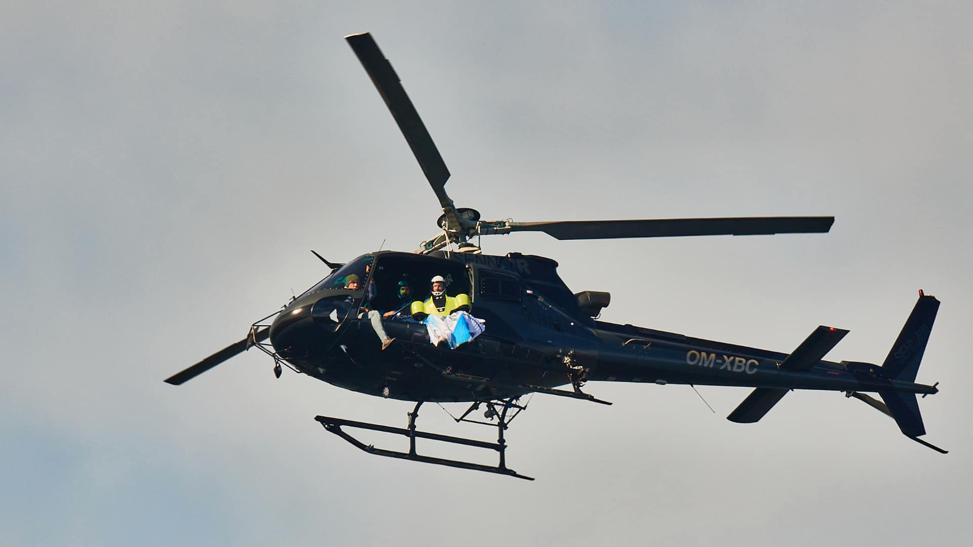 BMW Electric Wingsuit leaving helicopter
