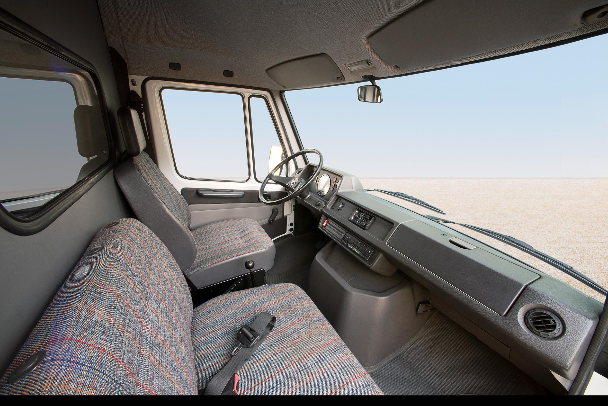 Mercedes-Benz T1 interior