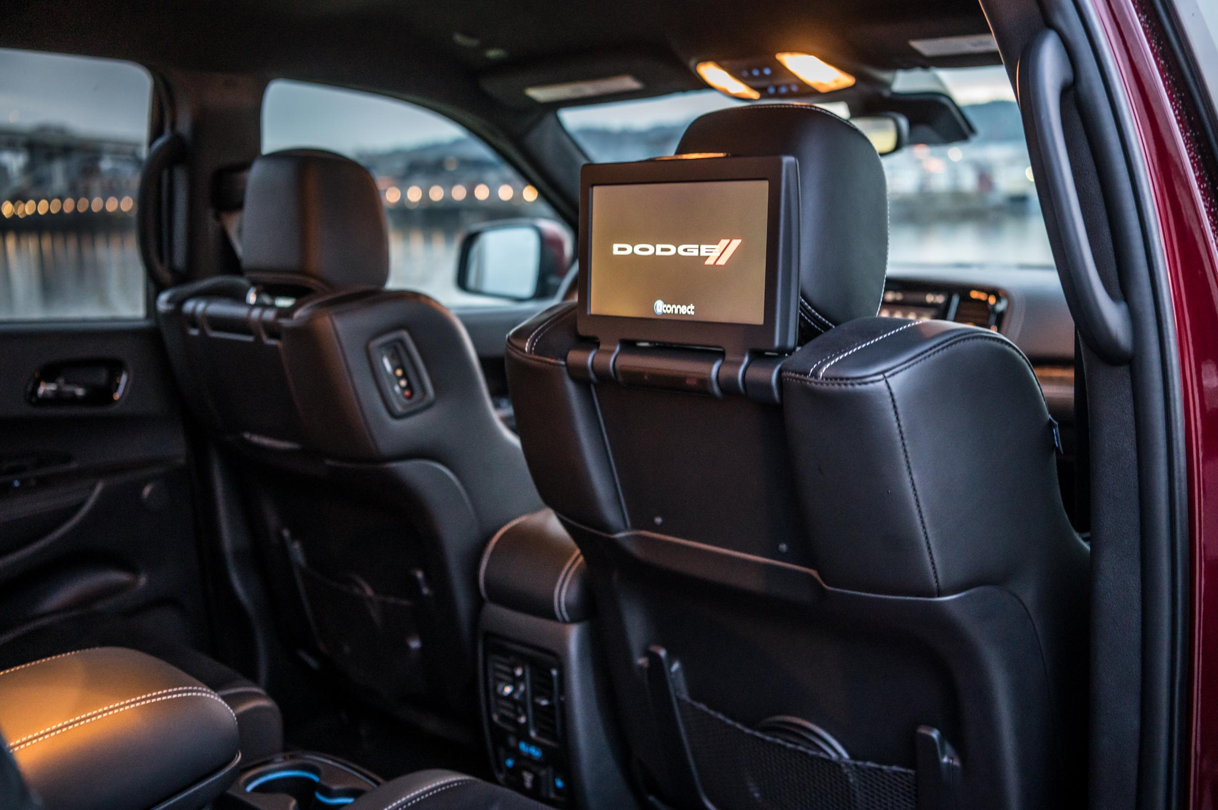 2021 dodge durango srt hellcat rear seat screens