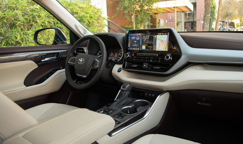 2021 Toyota Highlander Limited interior