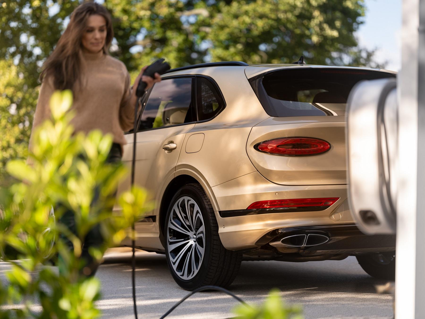 2021 Bentley Bentayga Hybrid plug-in