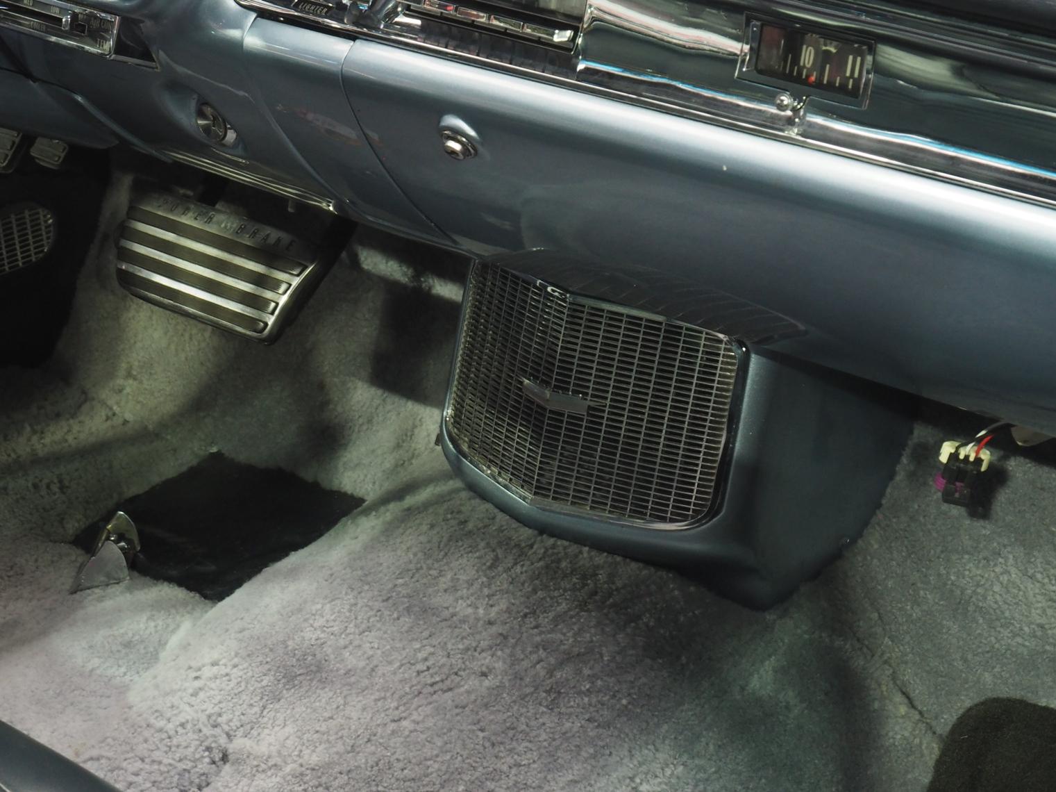 1957 Cadillac Eldorado Brougham Air conditioner